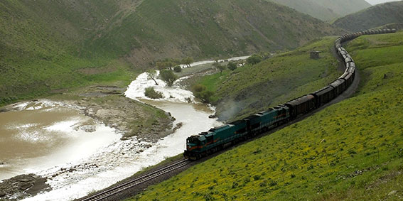Vacation-Train-Tour-in-Iran-Rail-and-River-3