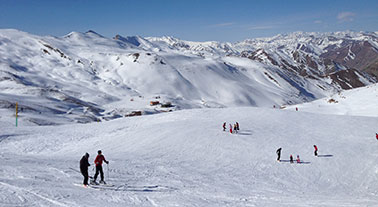 SKIING-IN-TOCHAL-AND-DIZIN
