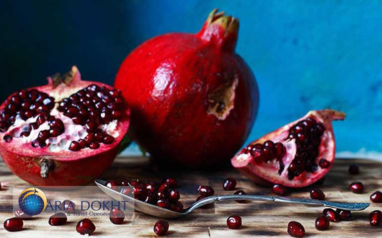 Pomegranate, Persian Pomegranate, fruit, seeds, red seeds.