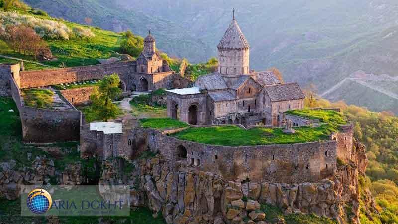 Armenian-churches-of-Iran